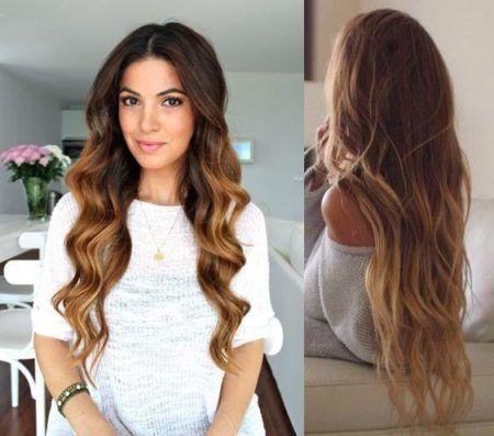 cabelos com luzes douradas e longos