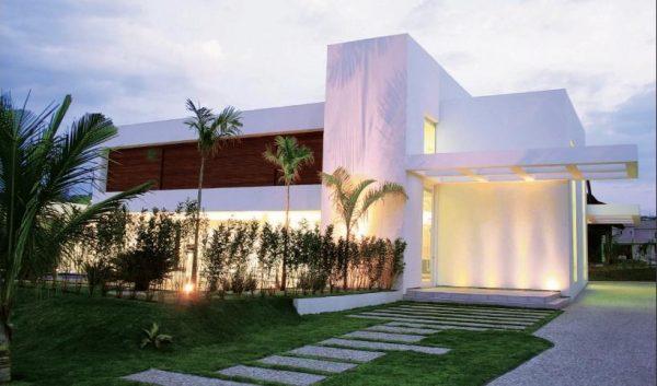 casas grandes e modernas