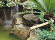 cascata rustica de jardim decorada